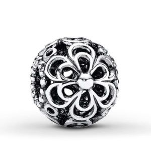 Pandora Daises sterling silver charm
