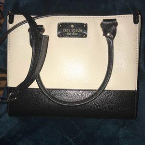Cute Kate Spade bag for cheap!!