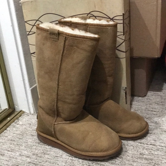 1c0b7439c0 Emu Shoes | Australia Stinger Hi Chestnut | Poshmark