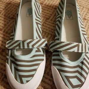 Blue and brown striped Vans in size 8
