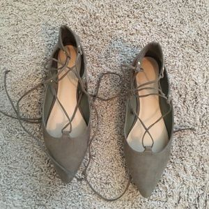 Old Navy Pointed Toe Lace-Up Flats