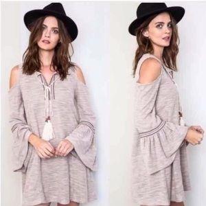 🌲Boho Chic Cold Shoulder Dress With Tied V Neck🌲