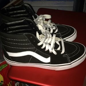 I wear a size 10 these are 9.5 I wore them 2 xs