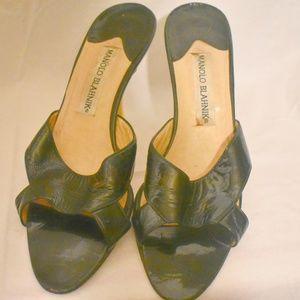 Manolo Blahnik black patent leather heels 40 9.5