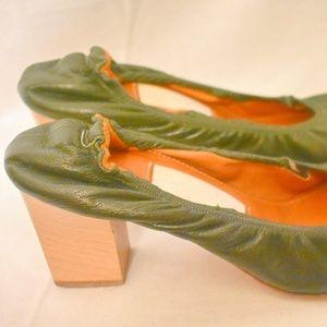 Lanvin green wooden block heels pumps 40 9.5