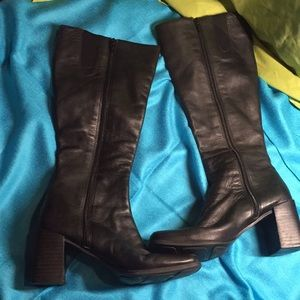 Amanda Smith heel boots