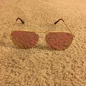 Quay Desi high key sunglasses gold