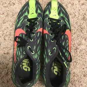 Distance track shoes