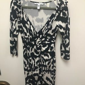 Auth Diane Von Furstenberg black& white dress