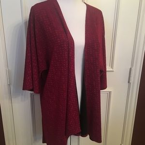 LuLaRoe Lindsey In Cranberry Red Size S