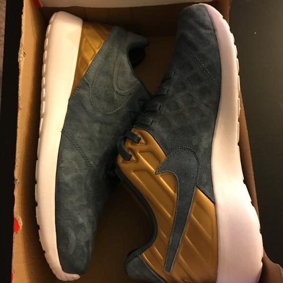 cd92cbbc0436a Nike Roshe Tiempo VI FC Blue Fox Men s Size 9