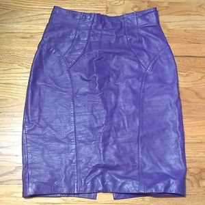 Vintage Chia purple leather pencil skirt