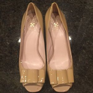 Vince Camuto Nude Heels Size 9 1/2