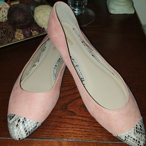 Adorable Old Navy ladies shoes size 9