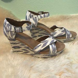 Toms Ikat Printed Wedge Heel Sandal