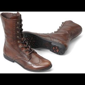 Born Leonis lace up boot