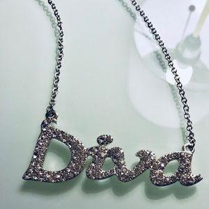 Diva women's necklace