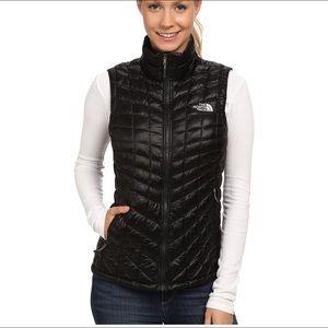never worn North Face warm vest