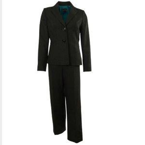 NWT$219 Womens EVAN PICONE 2pc Pinstripe Pant Suit