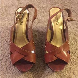 MICHAEL KORS Wooden Wedge Sz 7