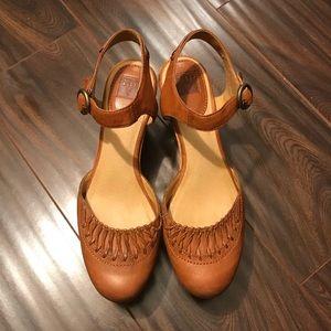 NWOT FRYE Tan Blair Ankle Platform Wedges Size 9