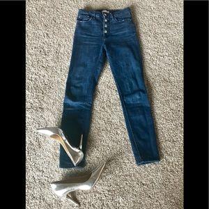 Zara. High Waisted Stretch Skinny Md wash jeans