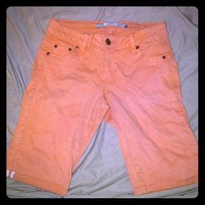 Tractr jean capri shorts