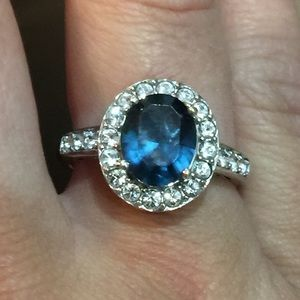 Blue sapphire ring with cubic zirconia Stones