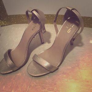Shimmery, Chic heels