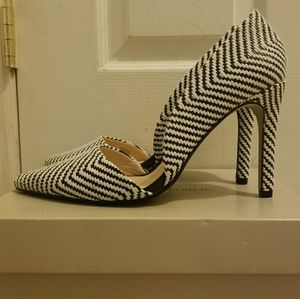 Banana Republic Adelia D'orsey Black & White Pump