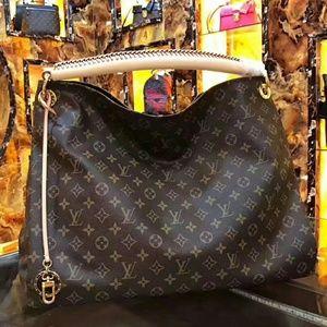 Louis Vuitton Monogram Canvas Artsy Bag