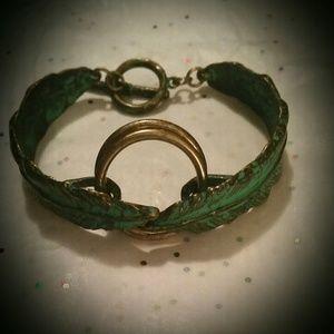 Pretty Charming Vintage Feather Bangle Bracelet