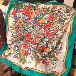 Gorgeous 100% Seta silk scarf. Made in Italy