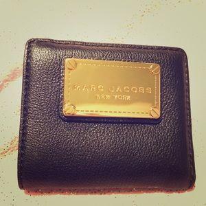 Marc Jacobs New Q Bifold Wallet