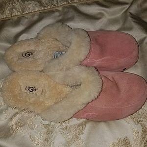 Pink ugg clogs