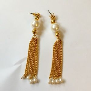 Vintage tassel earrings gold pearl dangle