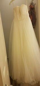 Davids bridal gown, strapless size 4 w/veil