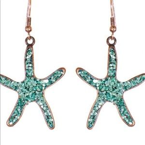 Jewelry - Starfish dangling earrings.