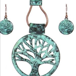 Jewelry - Vintage but new Tree of Life necklace set.