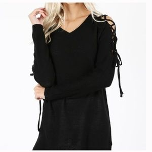 Sweaters - PRICE ⬇️ Sexy trendy Lace up sleeve v neck sweater