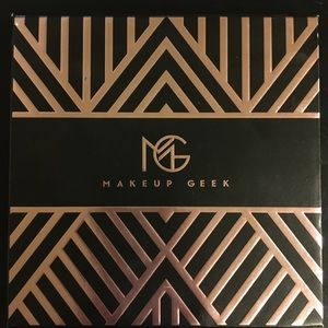 Manny MUA x Makeup Geek Eye shadow palette