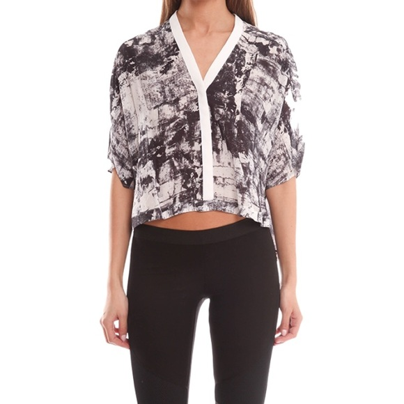 Discount Amazing Price Sale Best Store To Get Helmut Lang Pritned Crop Top 100% Authentic Cheap Online Get Clearance Visit New 753vhpK