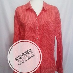 Old Navy Coral floral heart detail button down.