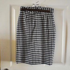 Wool houndstooth skirt