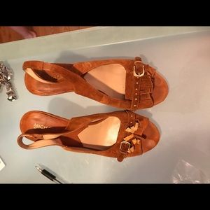 Micheal Kors Camel Suede Shoes