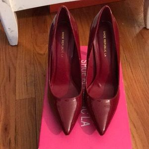 Patent leather Burgundy Pointed toe heel