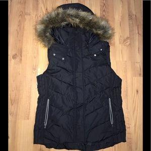 Women's H&M bubble vest w/ fur