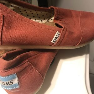 TOMS 🌟 good condition