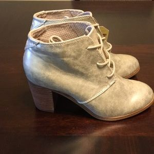 TOMS Ankle Boots W7