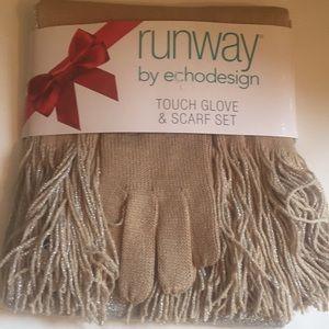 Winter beige Shimmer scarf & gloves set New
